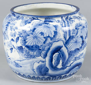 Chinese blue and white porcelain cache pot