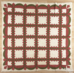 Pieced Irish chain quilt late 19th c