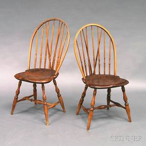 Pair of Braced Bowback Windsor Side Chairs