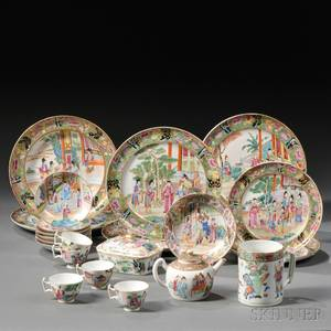 Twentynine Chinese Export Porcelain Table Items