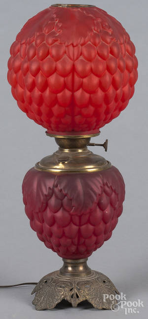 Red satin glass Gone with the Wind lamp