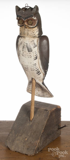 Contemporary carved and painted owl decoy
