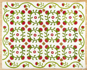 Appliqu floral pattern quilt late 19th c