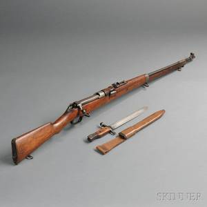 Model 1905 Ross Rifle and Bayonet