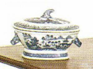 Small covered Canton sauce tureen