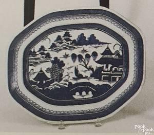 Rectangular Canton platter early 19th c