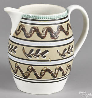 Large Mocha earthworm and seaweed pitcher 19th c