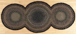 Triplecircle braided rug