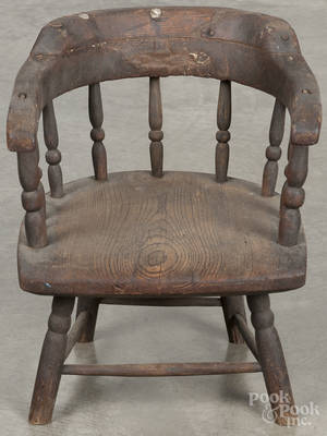 Dolls firehouse Windsor chair
