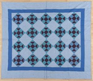 Pennsylvania Mennonite patchwork churn and dash quilt early 20th c
