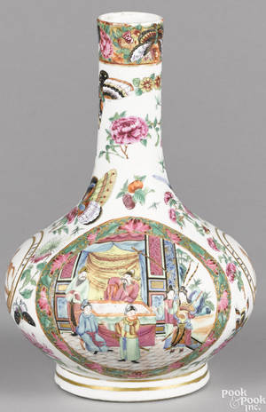 Chinese export porcelain rose Canton armorial bottle vase early 19th c