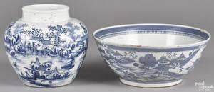Chinese export porcelain Canton centerpiece bowl 19th c