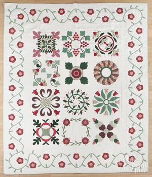 Contemporary appliqu quilt