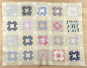 Wreath variant patchwork quilt