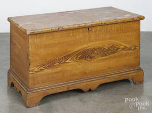 Diminutive Pennsylvania painted pine blanket chest