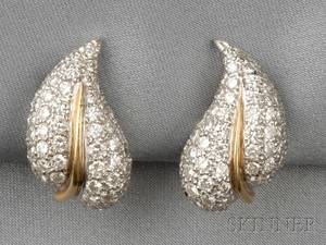 18kt Gold and Diamond Leaf Earclips