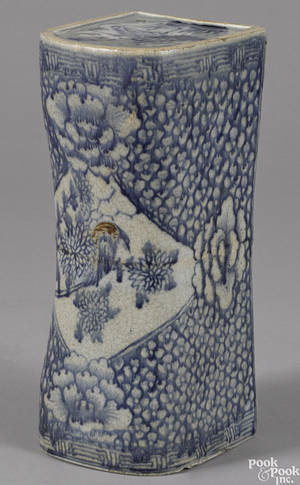 Chinese Qing dynasty blue and white porcelain pillow