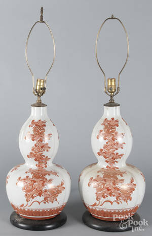 Pair of Chinese export porcelain doublegourd table lamps