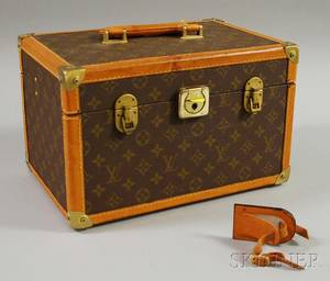 Small Louis Vuittontype Train Case