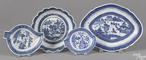 Chinese export porcelain Canton footed serving dish