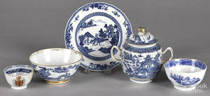 Five pieces of Chinese blue and white export porcelain