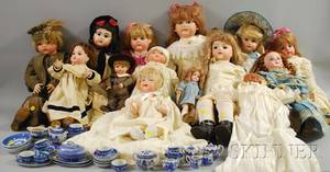 Group of Reproduction Dolls and a Blue and White Transferdecorated Childs Tea Set