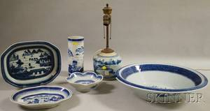 Six Chinese Export Blue and White Decorated Porcelain Items