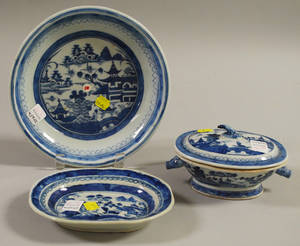 Three Pieces of Chinese Export Blue and White Canton Porcelain Tableware