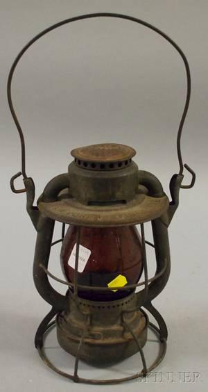 Dietz Vesta New York Central Railroad Tin Kerosene Lantern with Red Molded Glass Globe