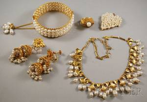 Group of Highkarat Gold and Freshwater Pearl Jewelry