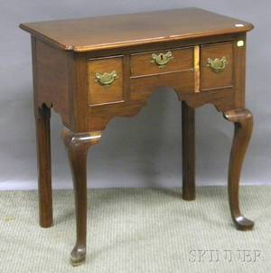 English Queen Annestyle Carved Mahogany Dressing Table