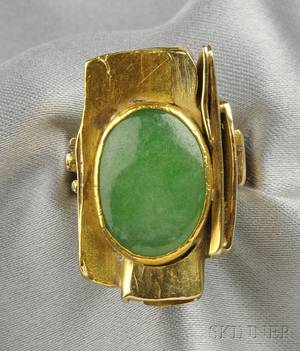 24kt and 18kt Gold and Jade Ring Janiye