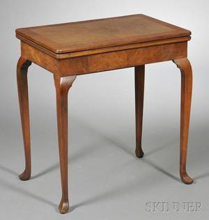 Queen Annestyle Inlaid Mahogany Card Table