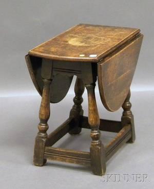 Diminutive William  Marystyle Oak Dropleaf Table