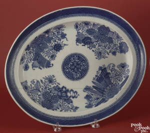 Chinese export blue and white platter in the Fitzhugh pattern