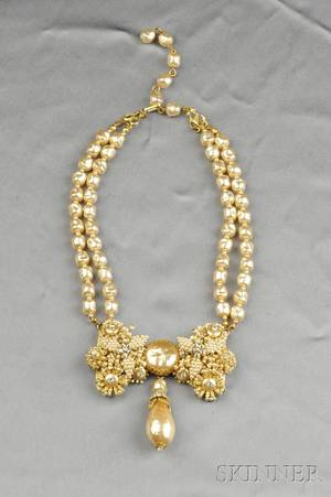 Gilded Metal and Imitation Pearl Necklace Stanley Hagler