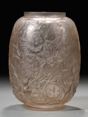 Rene Lalique Monnaie du Pape Vase