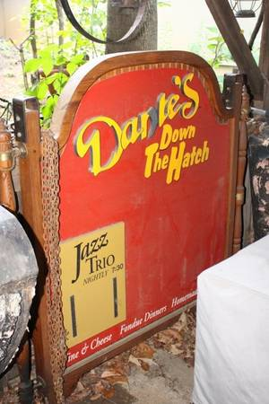 Red Dantes Down the Hatch Sign