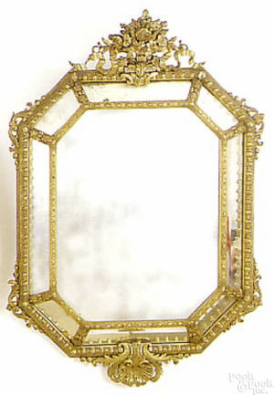 Octagonal carved giltwood mirror mid 19th c