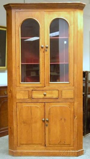 Countrystyle Glazed Pine Corner Cupboard