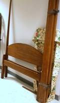 Federalstyle Mahogany Pencil Post Bed with Canopy