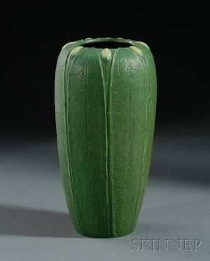 Grueby Faience Co TwoColor Pottery Vase