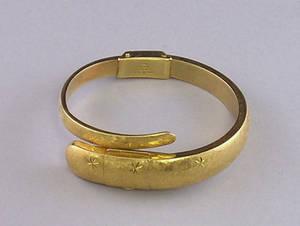 18kt Gold Baume  Mercier Ladys Bracelet Wristwatch