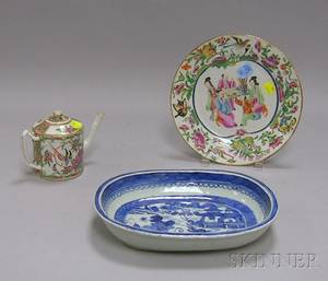 Chinese Export Porcelain Canton Serving Dish Small Rose Mandarin Teapot and Plate