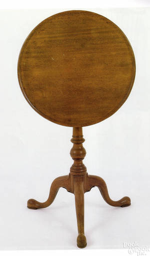 Exceptional Philadelphia Queen Anne mahogany candlestand ca 1780