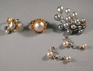 Small Group of 14kt Gold and Pearl Jewelry