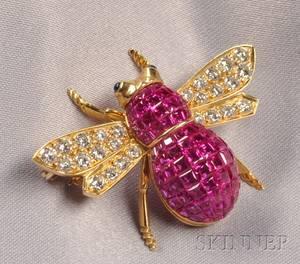 18kt Gold Ruby and Diamond Bee Brooch Carlo Viani
