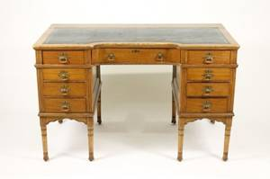 19th Century English Oak Kneehole Desk