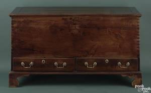 Shenandoah Valley Queen Anne walnut blanket chest ca 1760