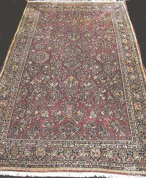 Large Sarouk oriental rug ca 1950
